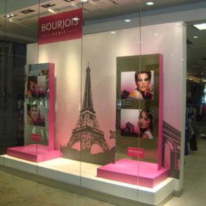 Vestimenta completa – branding – comunicação visual e vitrine Bourjois