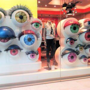 """O """"Olhar do Estrangeiro"""" como objetivo em Visual Merchansising"""